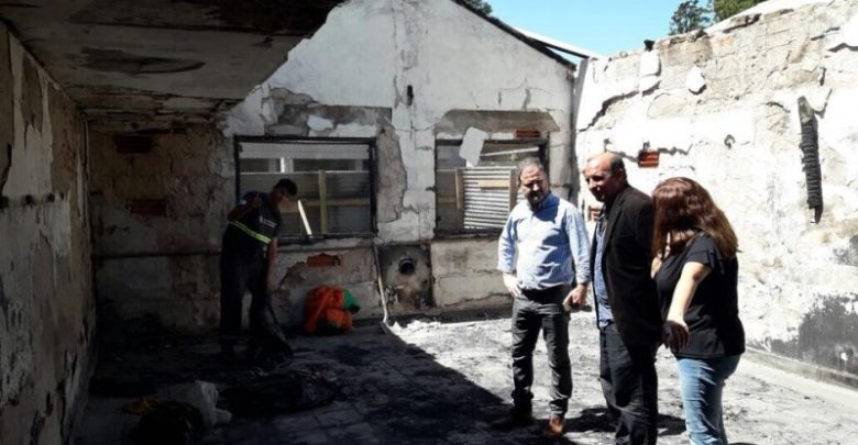 Photo of La Plata: incendio intencional destruyó diez aulas de una escuela